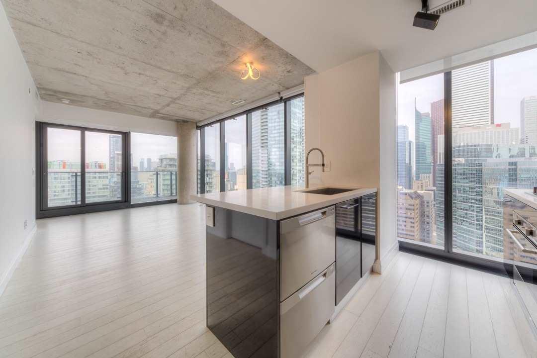 Condo Apt For Lease In Toronto , 2 Bedrooms Bedrooms, ,2 BathroomsBathrooms,Condo Apt,For Lease,3203,King