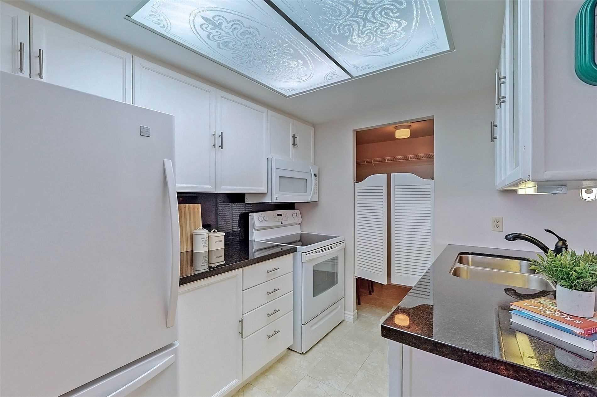 Condo Apt For Sale In Markham , 2 Bedrooms Bedrooms, ,1 BathroomBathrooms,Condo Apt,For Sale,903,Raymerville