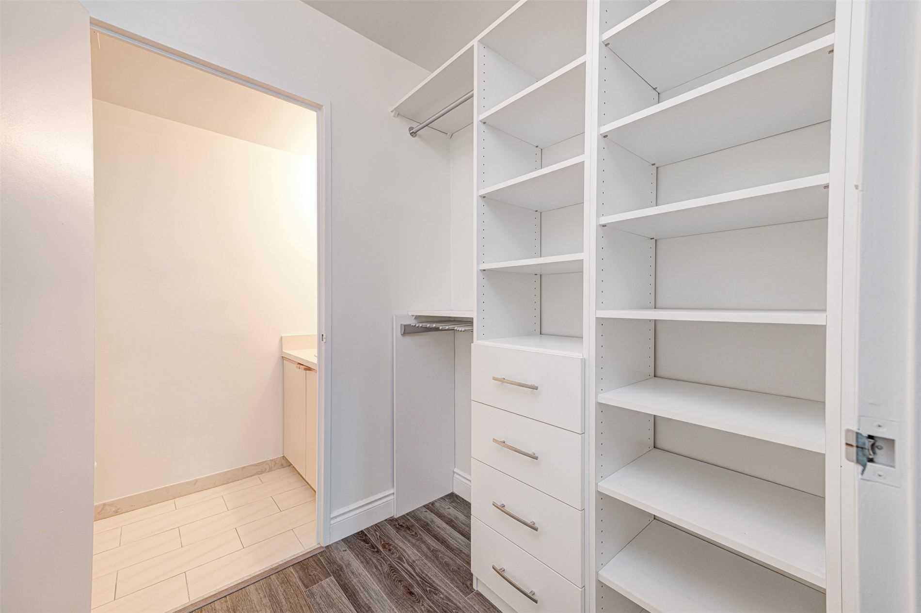 Condo Apt For Lease In Toronto , 3 Bedrooms Bedrooms, ,2 BathroomsBathrooms,Condo Apt,For Lease,606,Four Winds