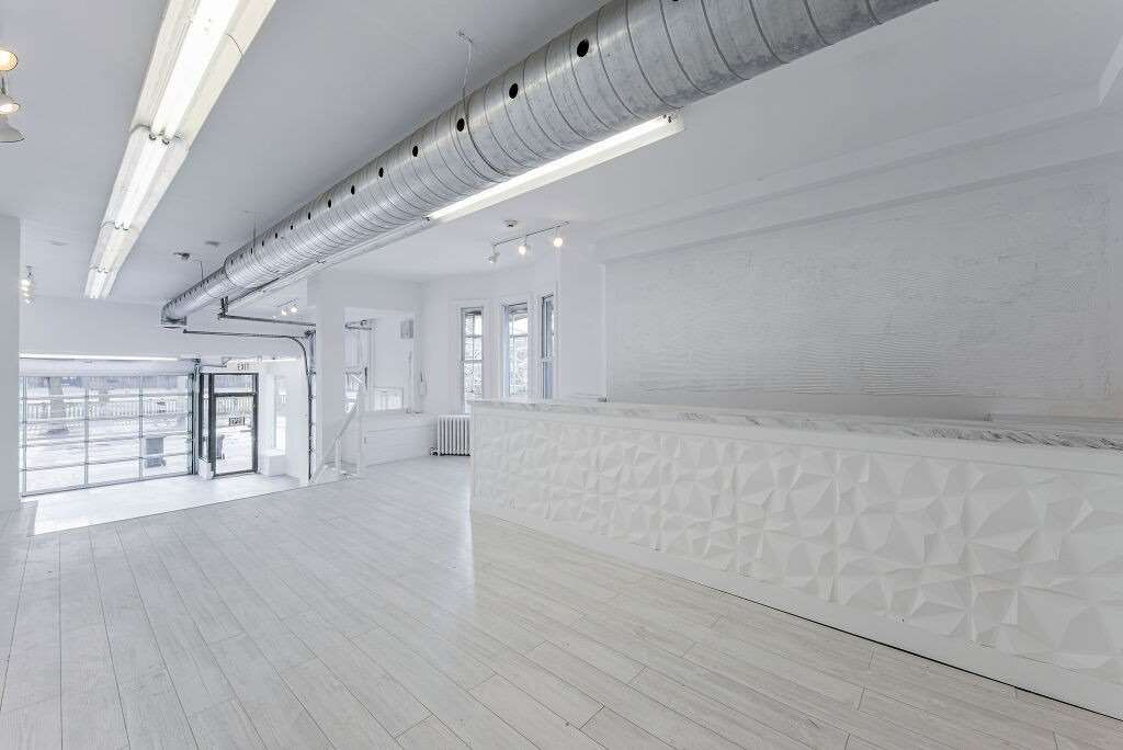 Commercial/retail For Lease In Toronto , ,Commercial/retail,For Lease,Queen