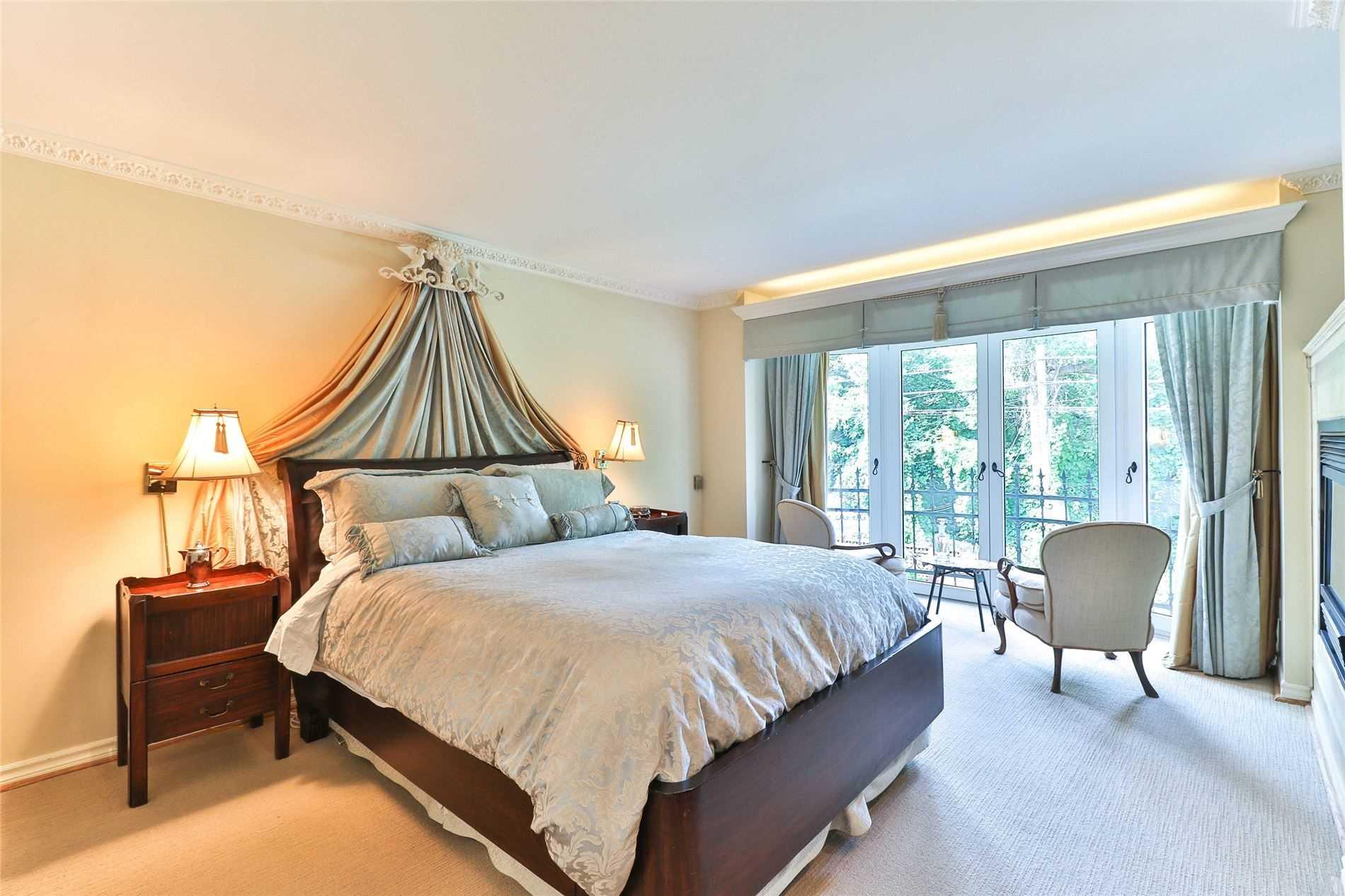 Att/row/twnhouse For Sale In Toronto , 2 Bedrooms Bedrooms, ,3 BathroomsBathrooms,Att/row/twnhouse,For Sale,Belmont