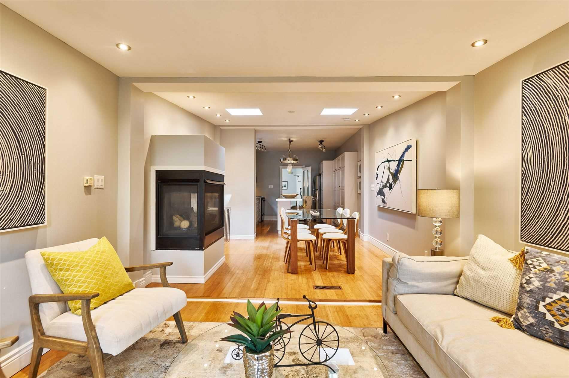 Detached house For Sale In Toronto - 107 Hocken Ave, Toronto, Ontario, Canada M6G2K1 , 2 Bedrooms Bedrooms, ,3 BathroomsBathrooms,Detached,For Sale,Hocken