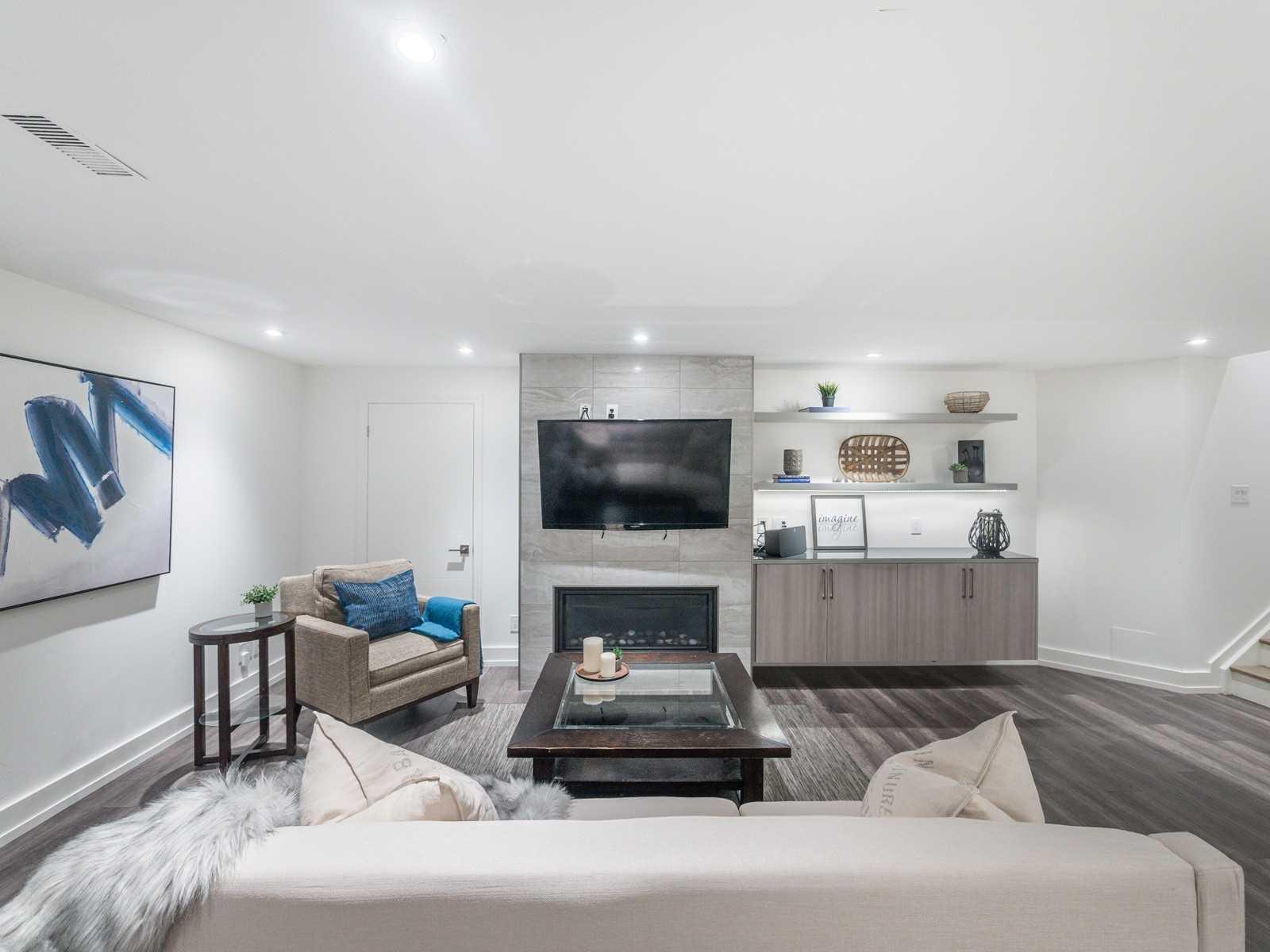 25 Sarah Ashbridge Ave, Toronto, Ontario M4L3Y1, 4 Bedrooms Bedrooms, 8 Rooms Rooms,5 BathroomsBathrooms,Detached,For Sale,Sarah Ashbridge,E5378607