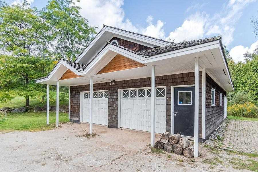 Detached house For Sale In Caledon - 19555 Shaws Creek Rd, Caledon, Ontario, Canada L7K1L5 , 4 Bedrooms Bedrooms, ,3 BathroomsBathrooms,Detached,For Sale,Shaws Creek