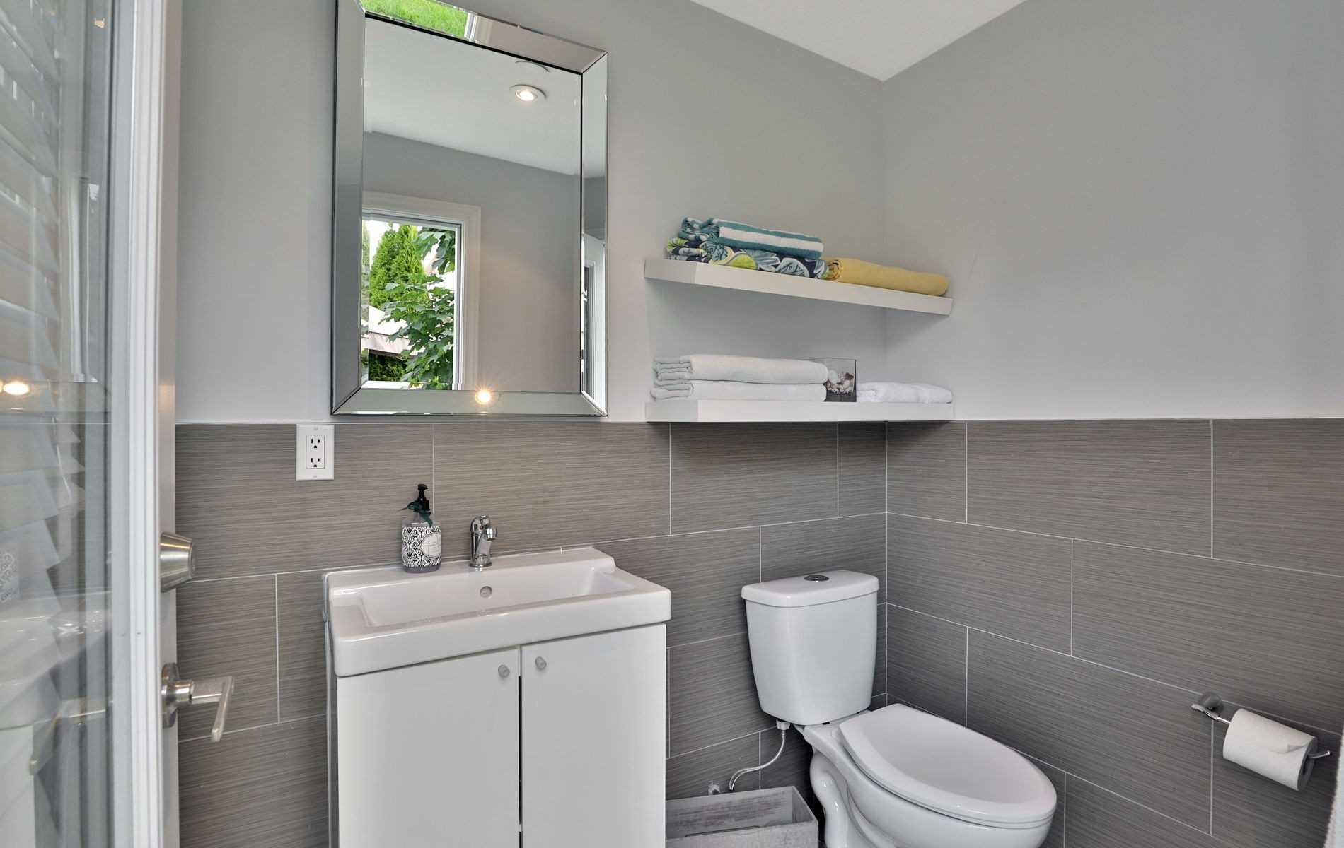 Detached house For Lease In Burlington - 4210 Sarazen Dr, Burlington, Ontario, Canada L7M 5C3 , 4 Bedrooms Bedrooms, ,5 BathroomsBathrooms,Detached,For Lease,Sarazen