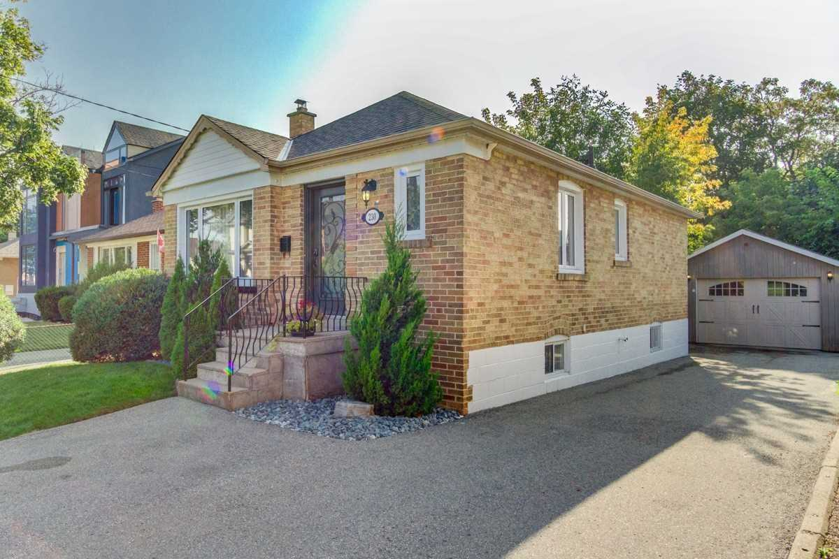 Detached house For Lease In Toronto - 230 Beta St, Toronto, Ontario, Canada M8W4H8 , 2 Bedrooms Bedrooms, ,2 BathroomsBathrooms,Detached,For Lease,Beta