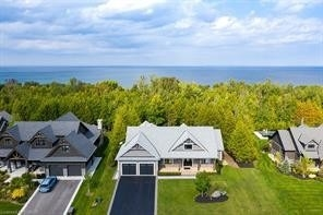 Detached house For Sale In Blue Mountains - 114 High Bluff Lane, Blue Mountains, Ontario, Canada N0H 2P0 , 3 Bedrooms Bedrooms, ,5 BathroomsBathrooms,Detached,For Sale,High Bluff
