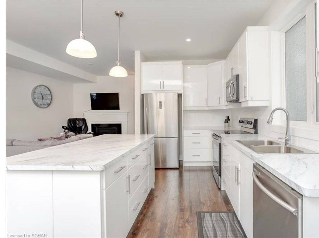 Semi-Detached For Lease In Blue Mountains , 3 Bedrooms Bedrooms, ,4 BathroomsBathrooms,Semi-Detached,For Lease,Yellow Birch