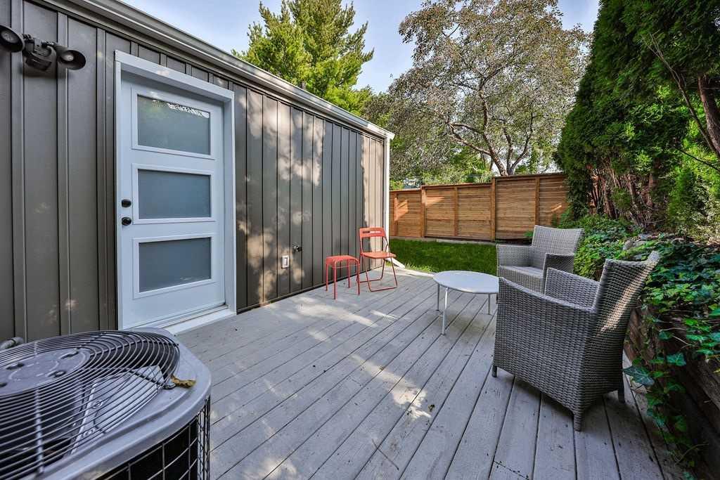 Detached house For Sale In Hamilton - 72 Tom St, Hamilton, Ontario, Canada L8R1X5 , 4 Bedrooms Bedrooms, ,2 BathroomsBathrooms,Detached,For Sale,Tom
