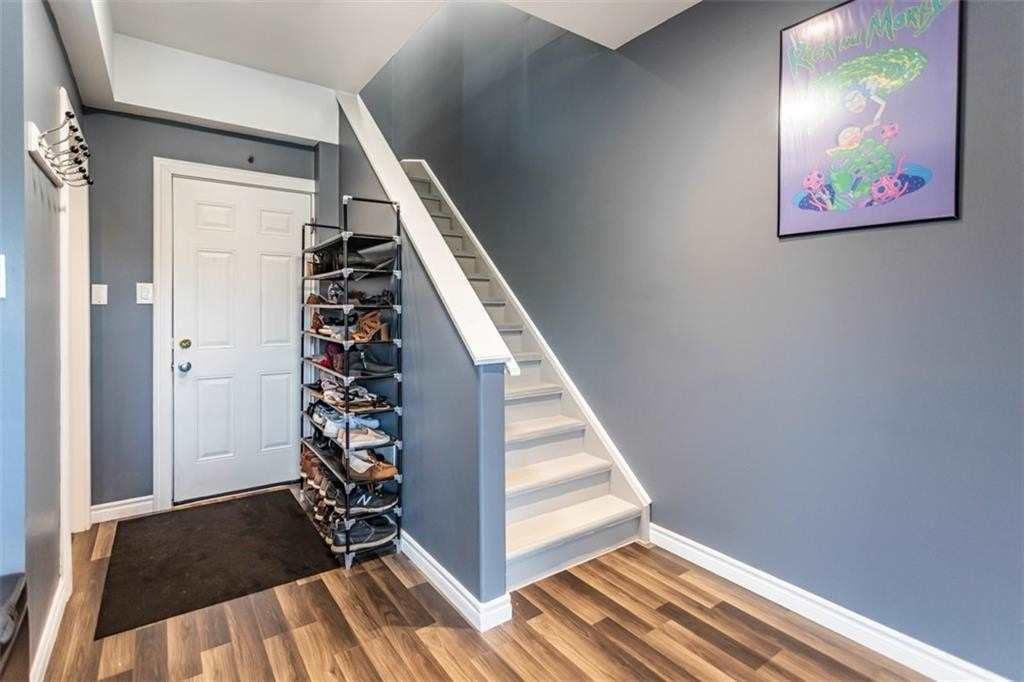 Att/row/twnhouse For Lease In Grimsby , 2 Bedrooms Bedrooms, ,2 BathroomsBathrooms,Att/row/twnhouse,For Lease,12,Hemlock