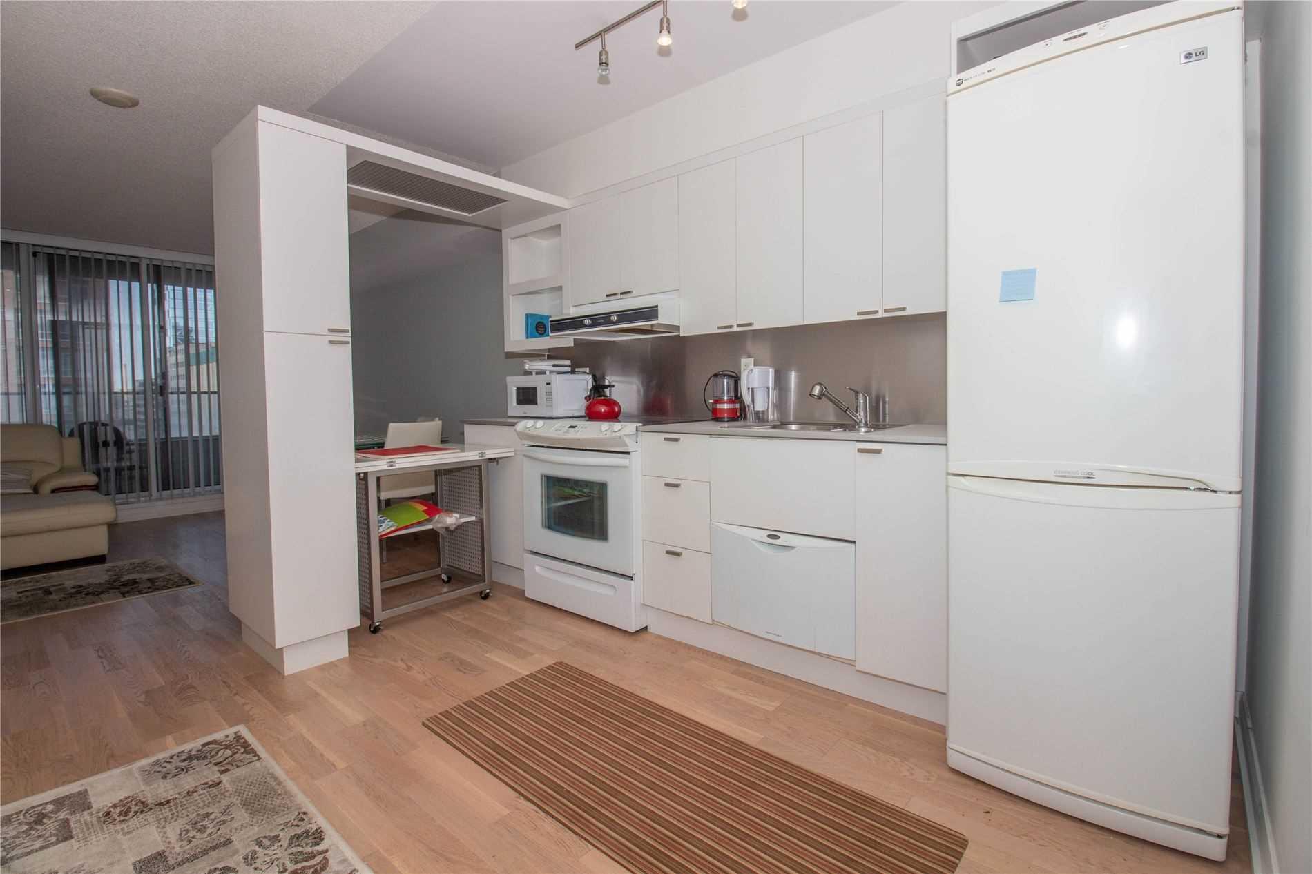 Condo Apt For Lease In Toronto , 1 Bedroom Bedrooms, ,1 BathroomBathrooms,Condo Apt,For Lease,1022,Elizabeth