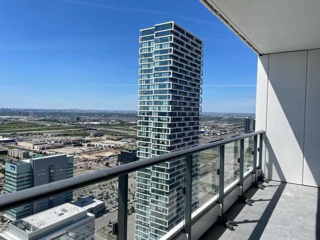 Condo Apt For Lease In Vaughan , 2 Bedrooms Bedrooms, ,2 BathroomsBathrooms,Condo Apt,For Lease,3807,Portage