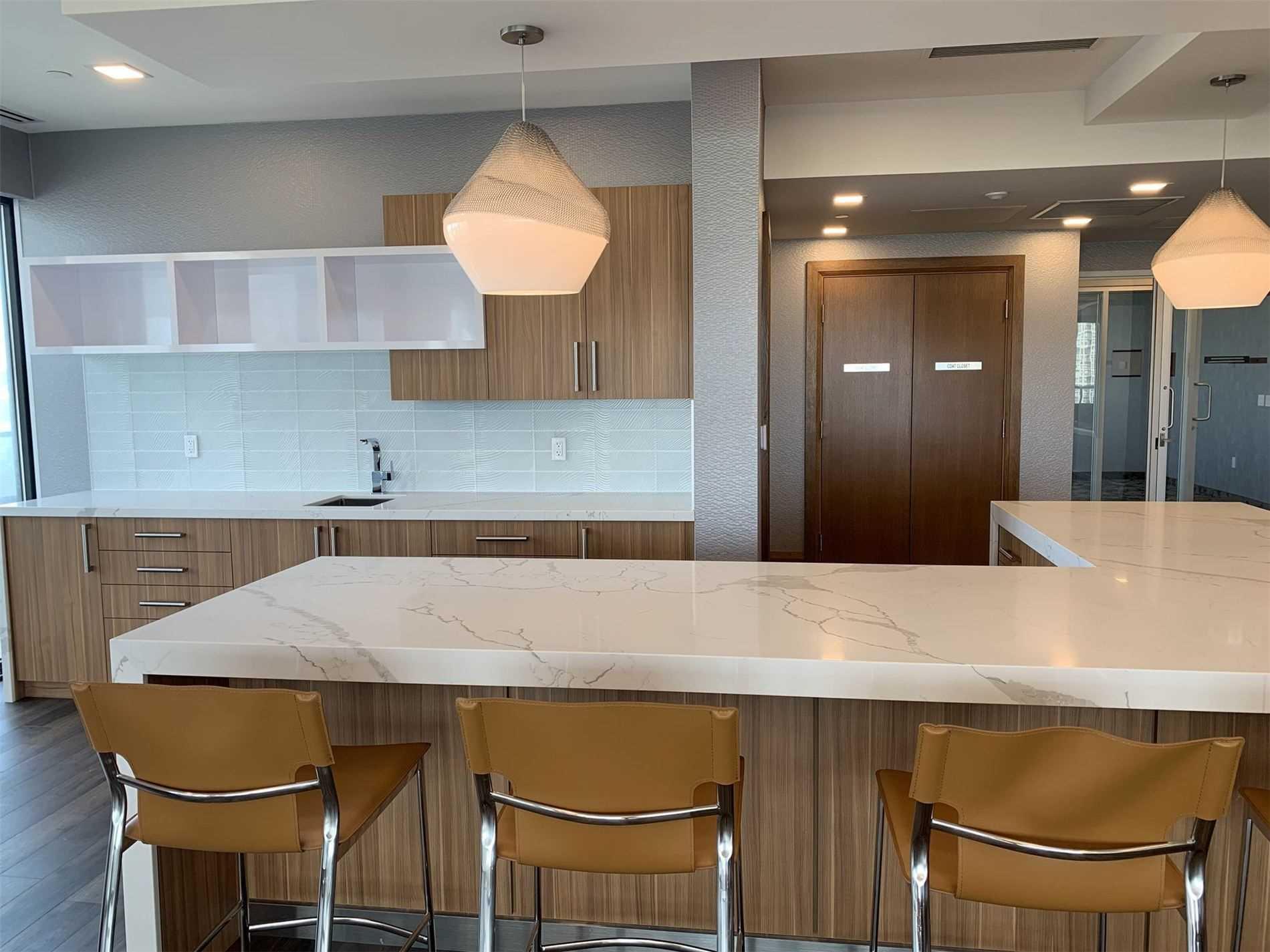 Condo Apt For Sale In Toronto , 2 Bedrooms Bedrooms, ,2 BathroomsBathrooms,Condo Apt,For Sale,3910,Shore Breeze