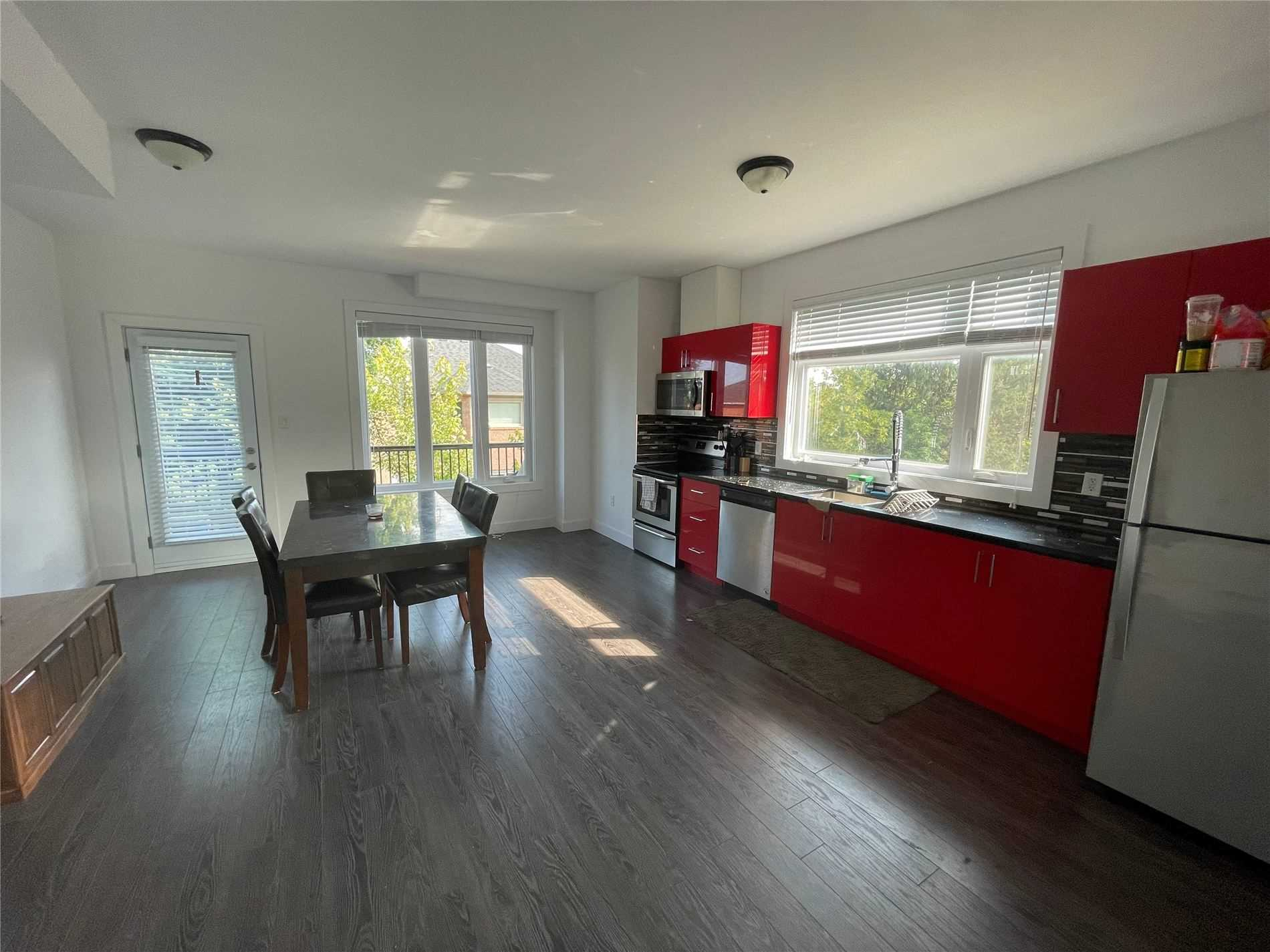 Att/row/twnhouse For Lease In Barrie , 2 Bedrooms Bedrooms, ,4 BathroomsBathrooms,Att/row/twnhouse,For Lease,18,Essa