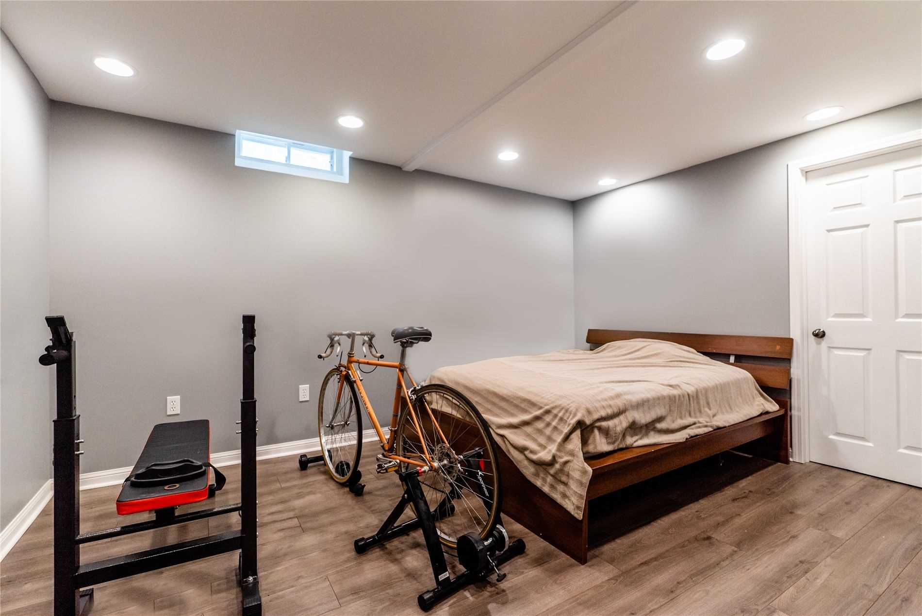 Detached house For Sale In Barrie - 66 Pepler Pl, Barrie, Ontario, Canada L4N5G9 , 3 Bedrooms Bedrooms, ,3 BathroomsBathrooms,Detached,For Sale,Pepler