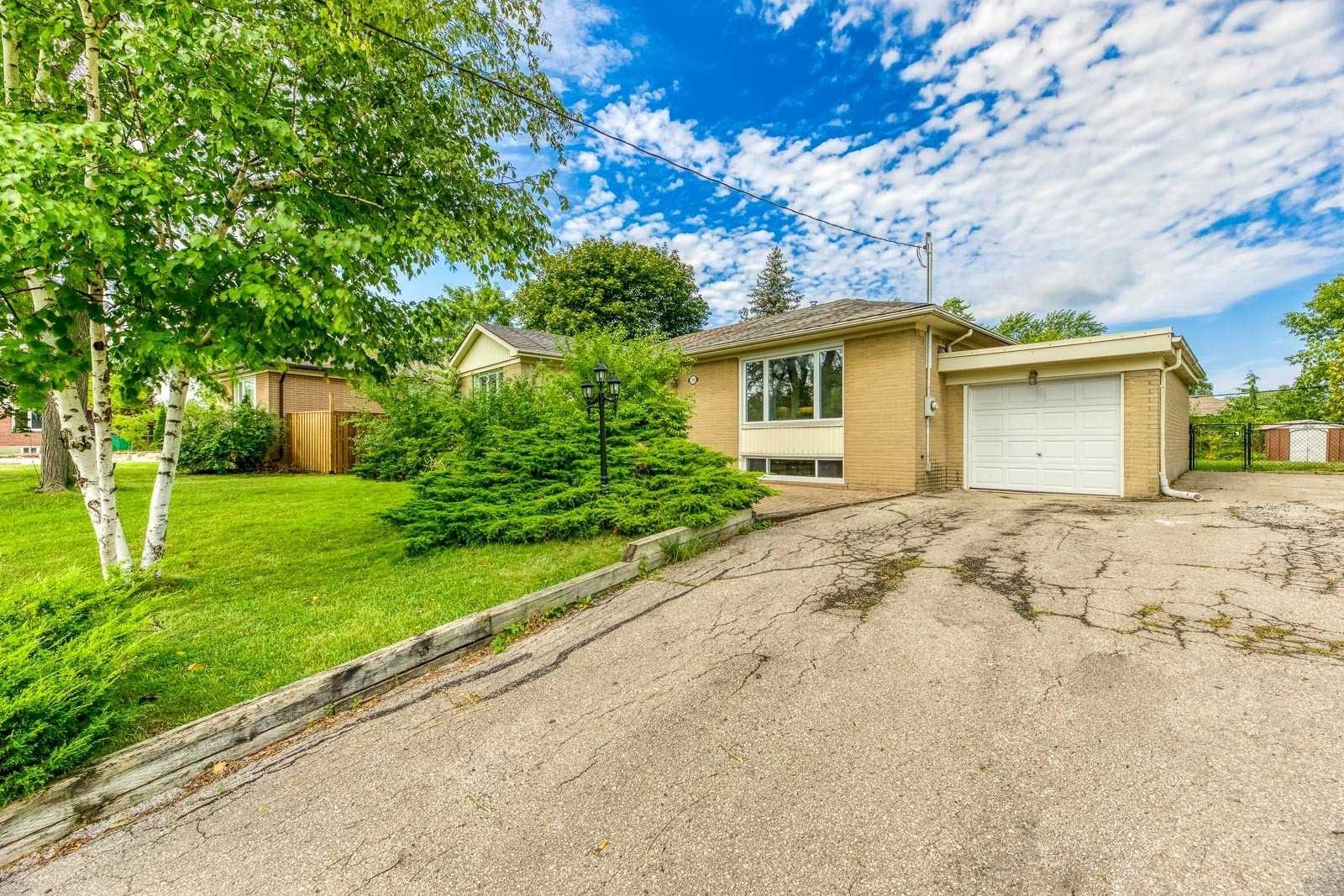 Detached house For Sale In Oakville - 1333 Sheldon Ave, Oakville, Ontario, Canada L6L2P9 , 3 Bedrooms Bedrooms, ,2 BathroomsBathrooms,Detached,For Sale,Sheldon