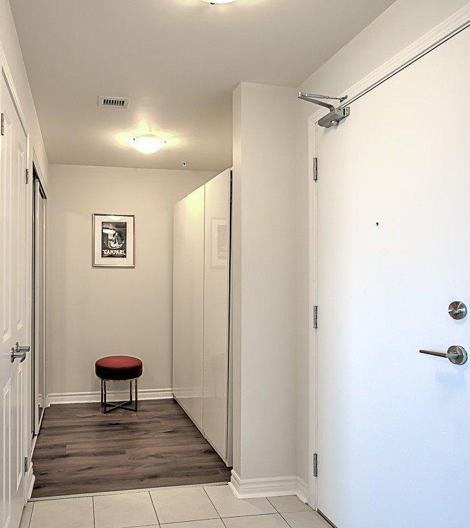 Condo Apt For Sale In Toronto , 1 Bedroom Bedrooms, ,1 BathroomBathrooms,Condo Apt,For Sale,404,Keele