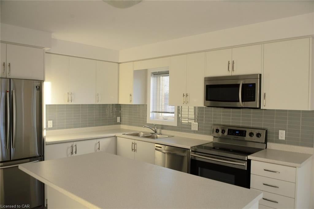 Condo Apt For Lease In Kitchener , 2 Bedrooms Bedrooms, ,2 BathroomsBathrooms,Condo Apt,For Lease,A15,Rochefort
