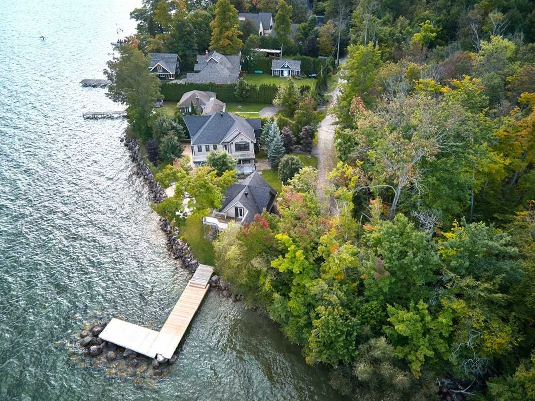 Detached house For Sale In Innisfil - 489 Moosenlanka Rd, Innisfil, Ontario, Canada L9S 3H3 , 5 Bedrooms Bedrooms, ,4 BathroomsBathrooms,Detached,For Sale,Moosenlanka