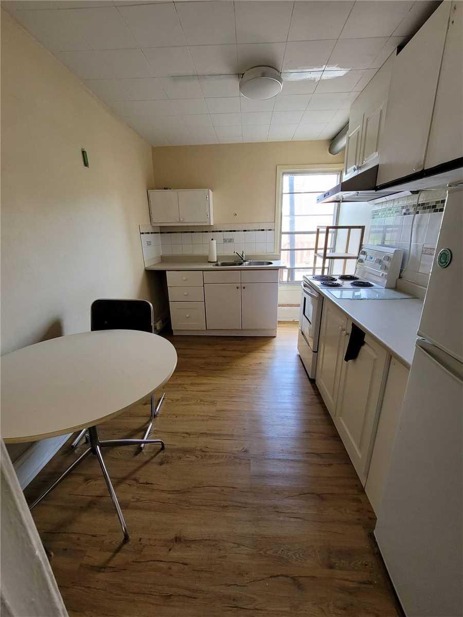 Att/row/twnhouse For Sale In Toronto , 8 Bedrooms Bedrooms, ,4 BathroomsBathrooms,Att/row/twnhouse,For Sale,Phoebe