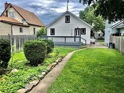Detached house For Sale In Oshawa - 70 Montrave Ave, Oshawa, Ontario, Canada L1J4R6 , 2 Bedrooms Bedrooms, ,1 BathroomBathrooms,Detached,For Sale,Montrave