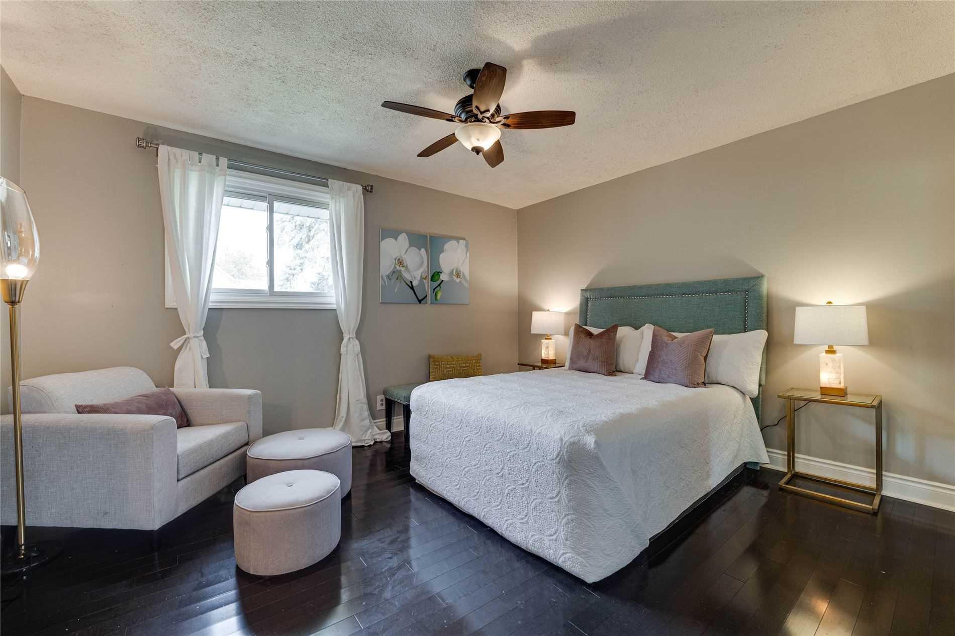 Detached house For Sale In Innisfil - 26 Queen St, Innisfil, Ontario, Canada L0L1L0 , 3 Bedrooms Bedrooms, ,3 BathroomsBathrooms,Detached,For Sale,Queen