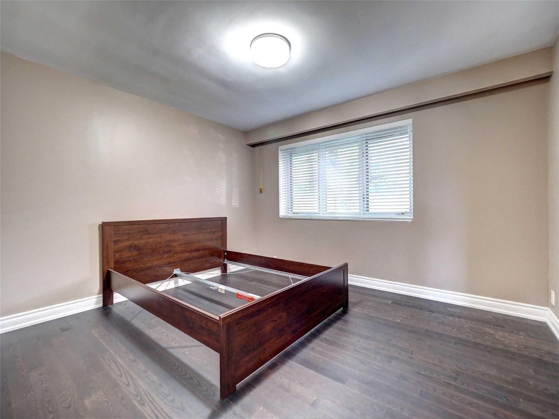 Detached house For Lease In Richmond Hill - 368 Fesserton Rd, Richmond Hill, Ontario, Canada L4C1G2 , 3 Bedrooms Bedrooms, ,2 BathroomsBathrooms,Detached,For Lease,Fesserton