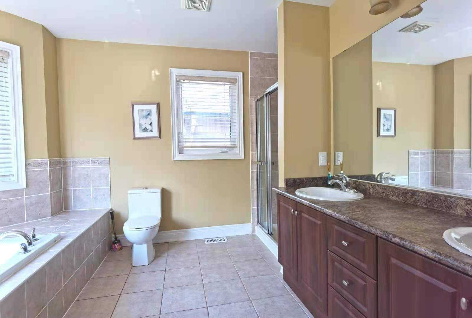 Detached house For Lease In Oakville - 2241 Adirondak Tr, Oakville, Ontario, Canada L6M4W4 , 5 Bedrooms Bedrooms, ,5 BathroomsBathrooms,Detached,For Lease,Adirondak