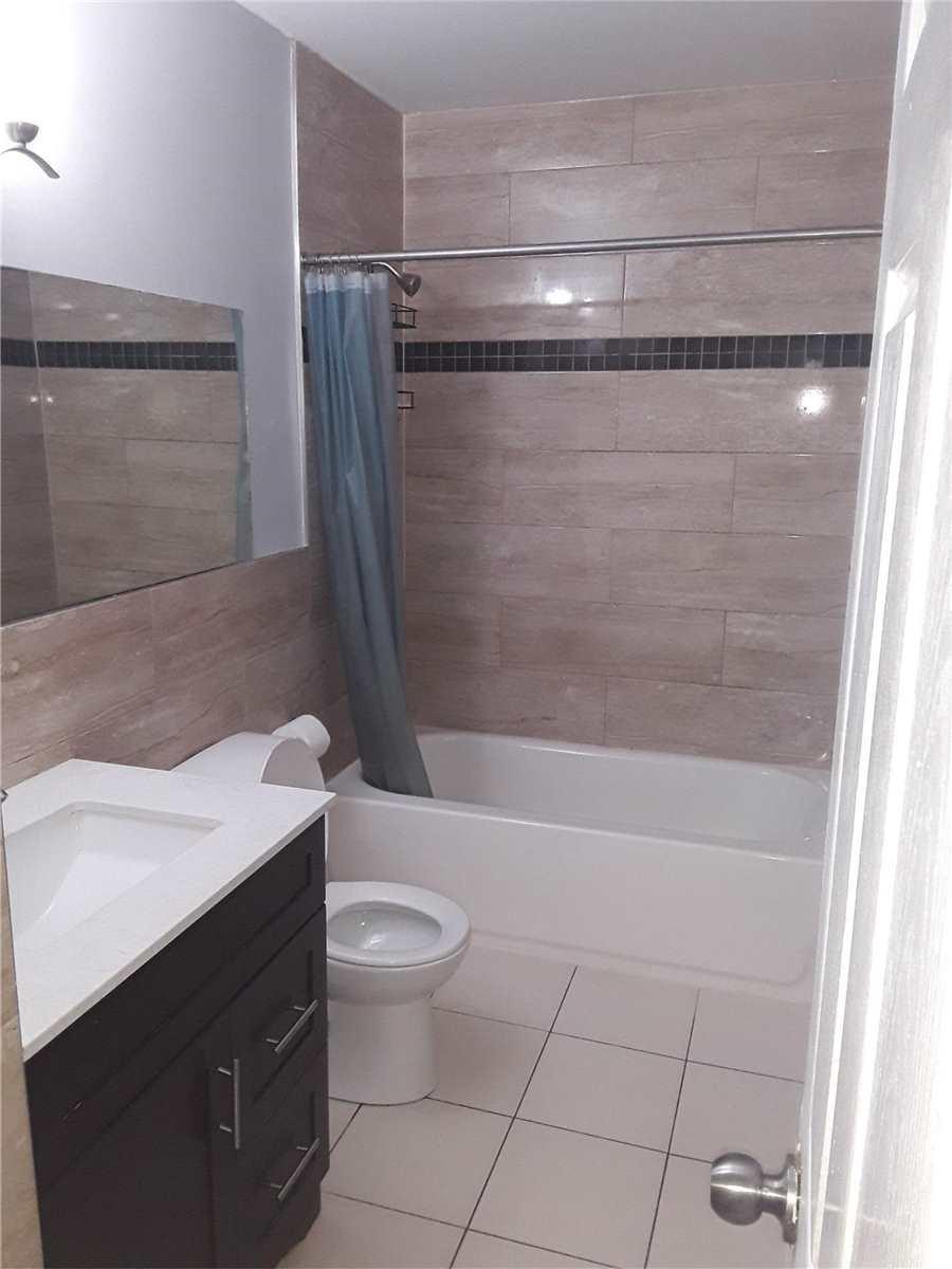 Semi-Detached For Lease In Brampton , 3 Bedrooms Bedrooms, ,1 BathroomBathrooms,Semi-Detached,For Lease,Edenridge(Ul)
