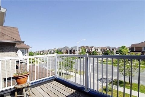 Detached house For Lease In Oakville - 2495 North Ridge Tr, Oakville, Ontario, Canada L6H7N6 , 4 Bedrooms Bedrooms, ,3 BathroomsBathrooms,Detached,For Lease,North Ridge