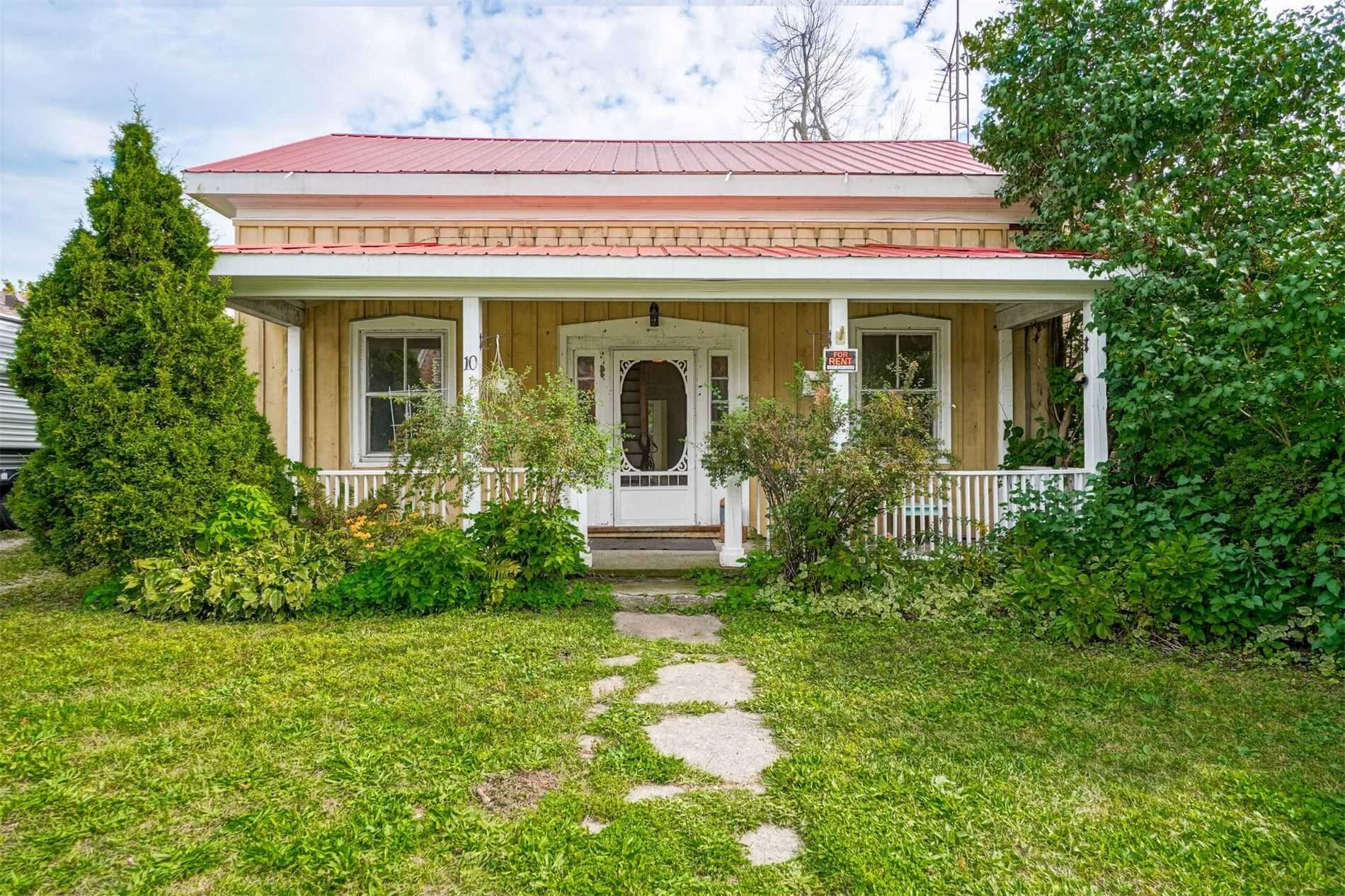 Detached house For Sale In Erin - 10 Church Blvd, Erin, Ontario, Canada N0B 1T0 , 3 Bedrooms Bedrooms, ,2 BathroomsBathrooms,Detached,For Sale,Church