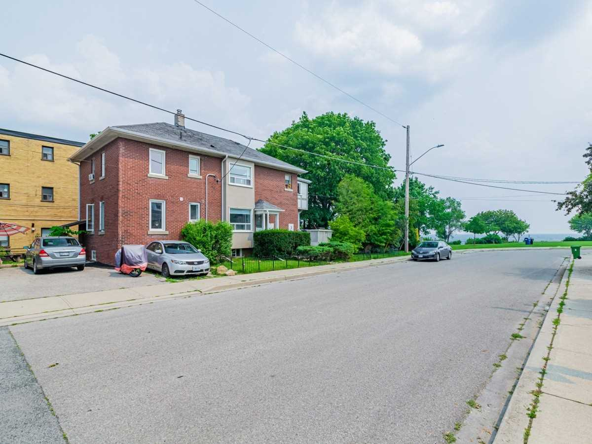 Multiplex For Lease In Toronto , 2 Bedrooms Bedrooms, ,1 BathroomBathrooms,Multiplex,For Lease,D,Fifth