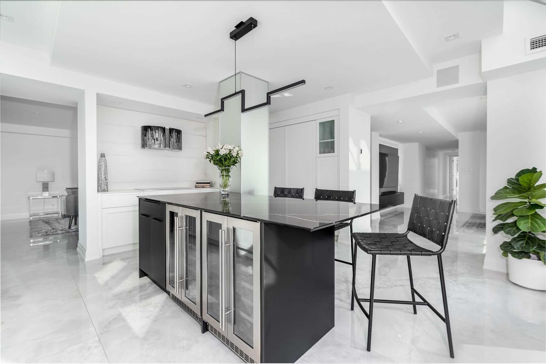 Condo Apt For Sale In Toronto , 2 Bedrooms Bedrooms, ,3 BathroomsBathrooms,Condo Apt,For Sale,Uph 1,Queens Quay