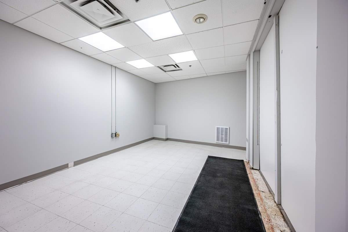 Commercial/retail For Lease In Toronto , ,Commercial/retail,For Lease,College