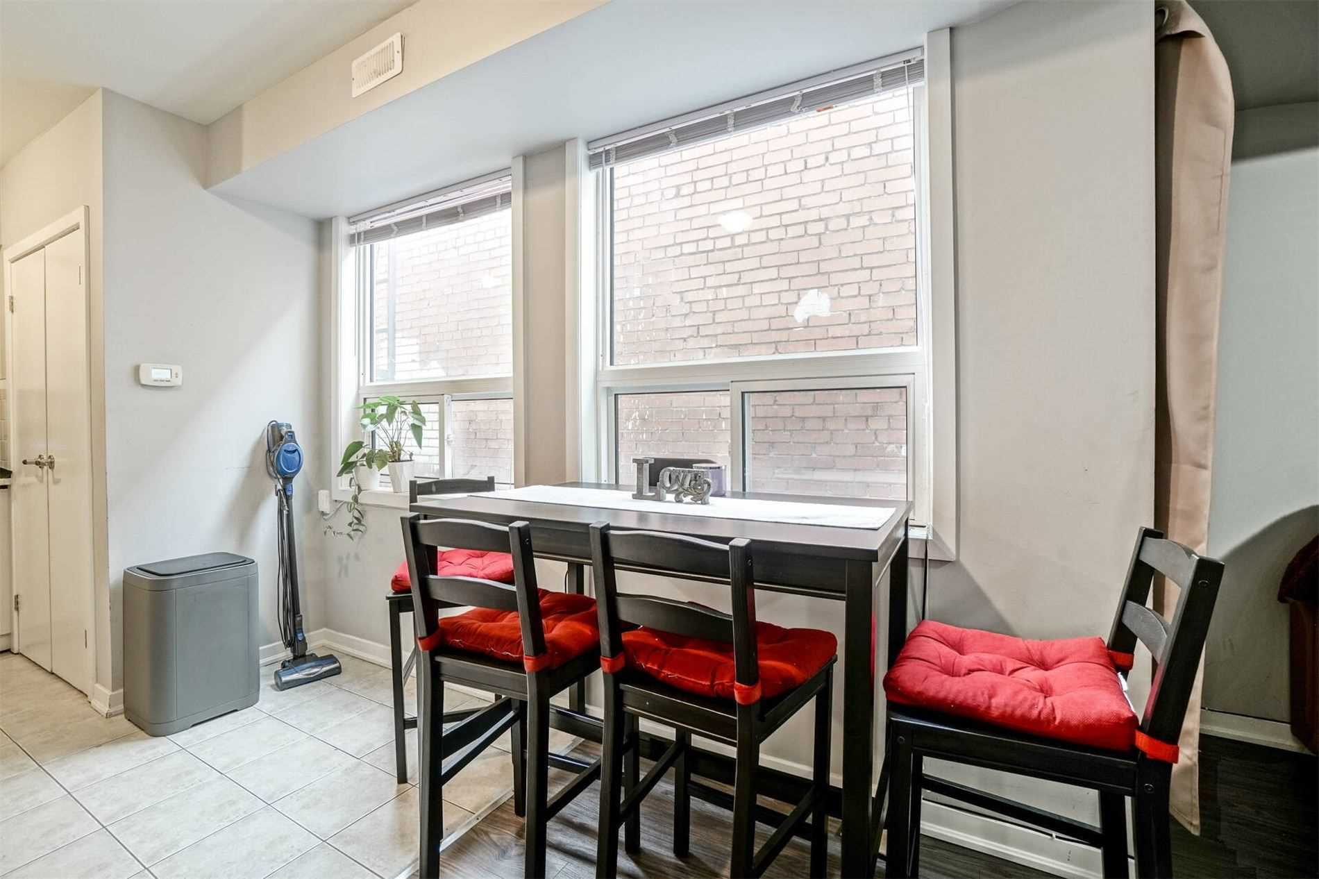 Commercial/retail For Sale In Toronto , ,Commercial/retail,For Sale,Danforth