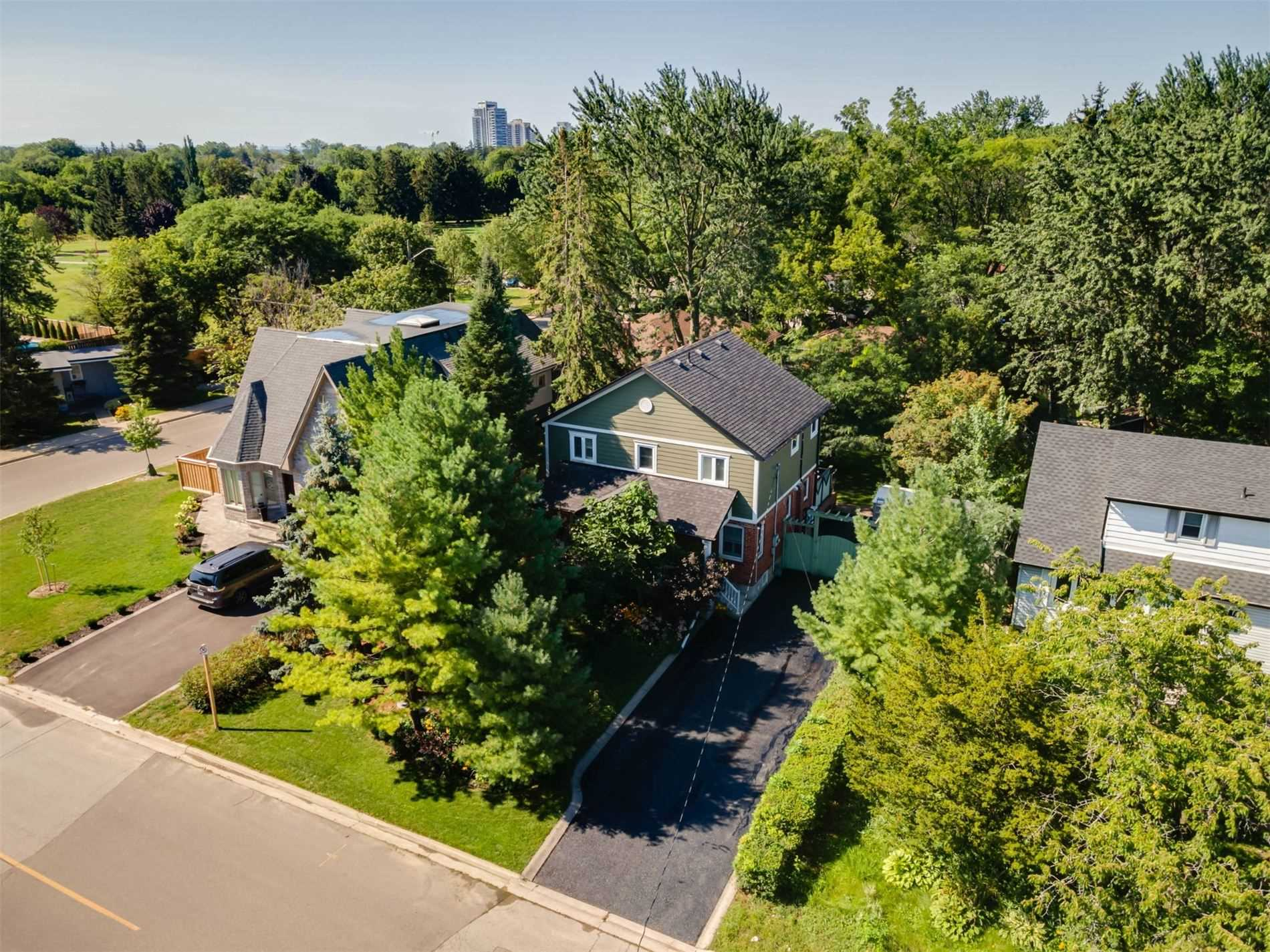 Detached house For Sale In Mississauga