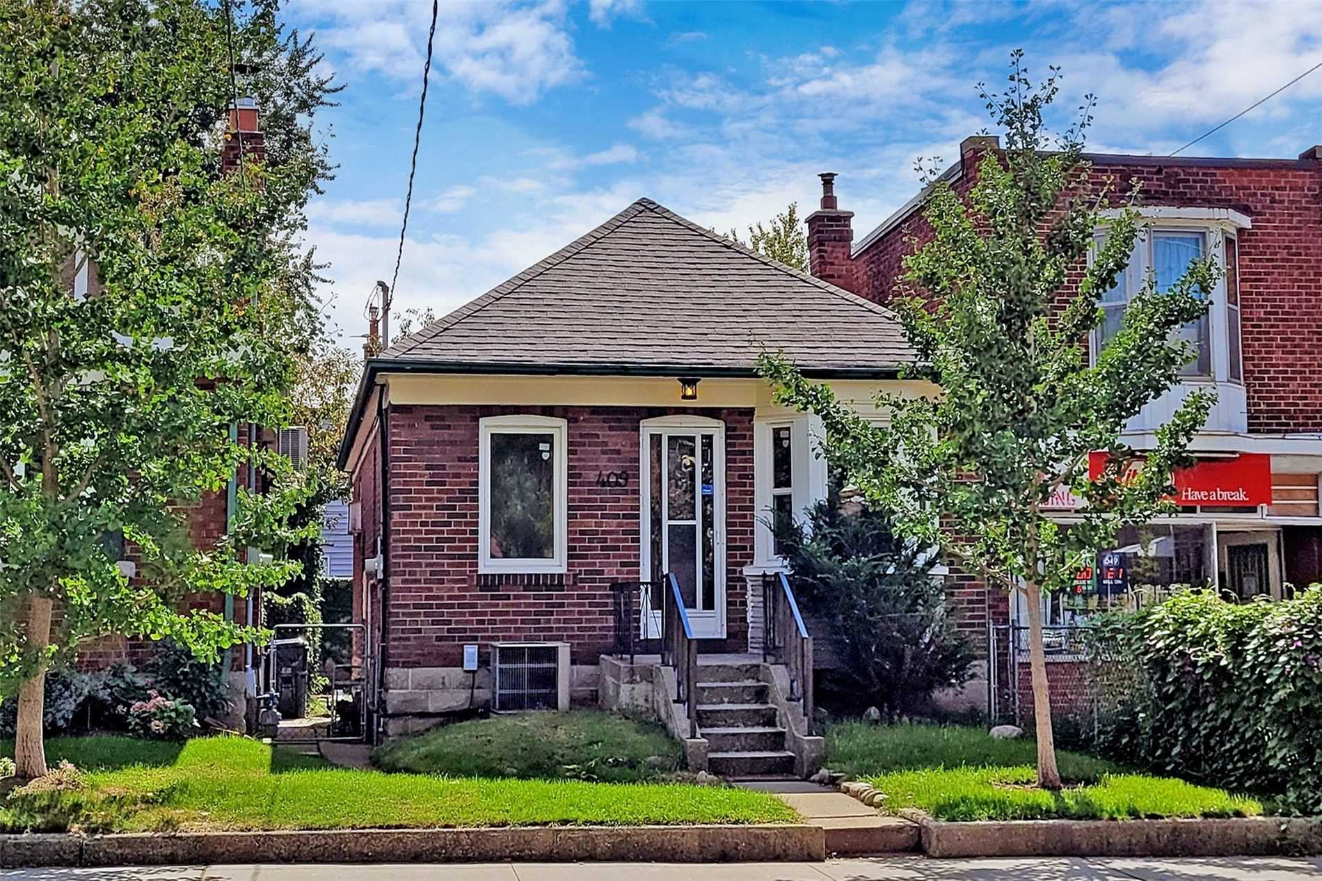Detached house For Sale In Toronto - 409 Mortimer Ave, Toronto, Ontario, Canada M4J2E8 , 2 Bedrooms Bedrooms, ,3 BathroomsBathrooms,Detached,For Sale,Mortimer