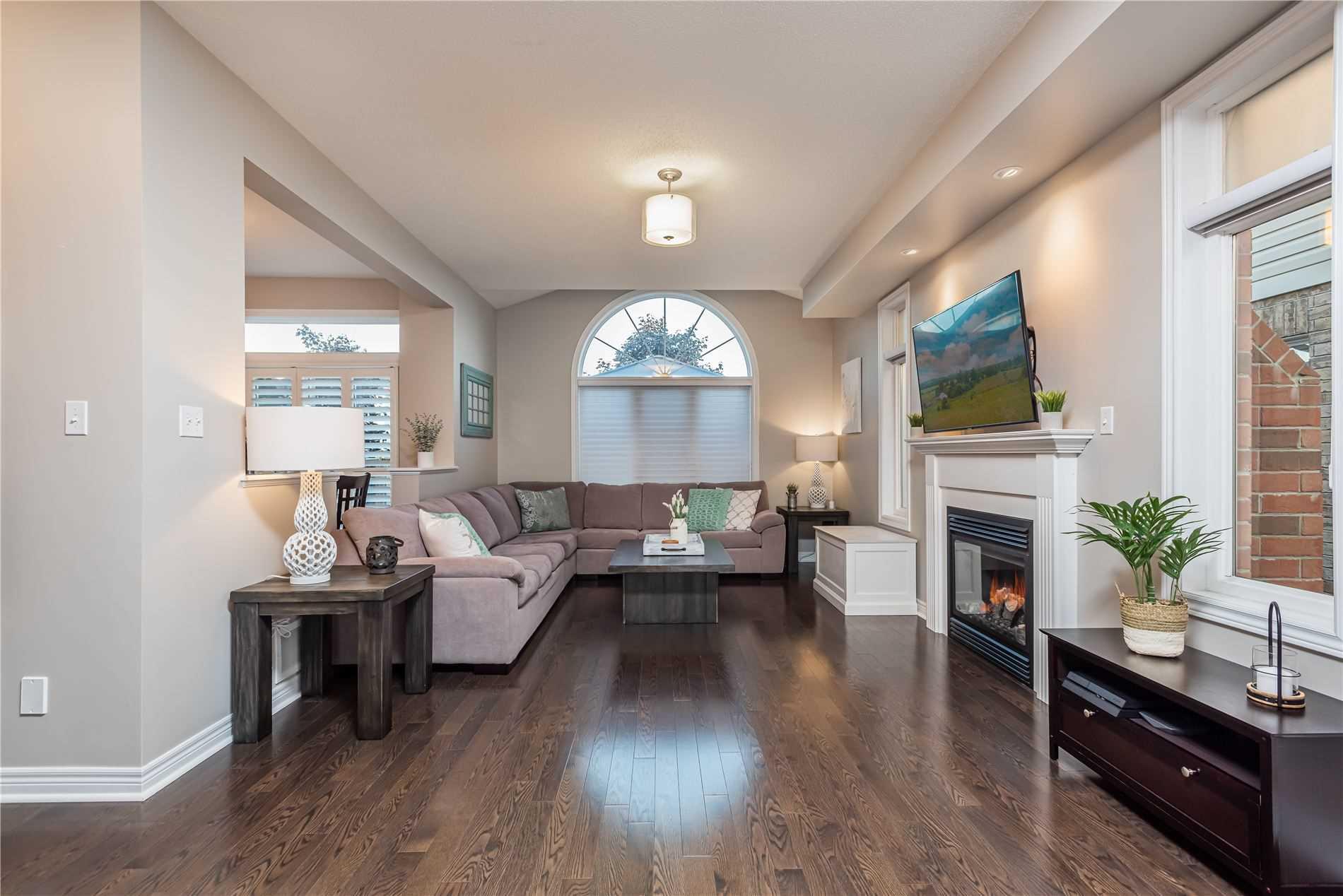 Detached house For Sale In Clarington - 15 Goodall Cres, Clarington, Ontario, Canada L1C0G2 , 3 Bedrooms Bedrooms, ,3 BathroomsBathrooms,Detached,For Sale,Goodall