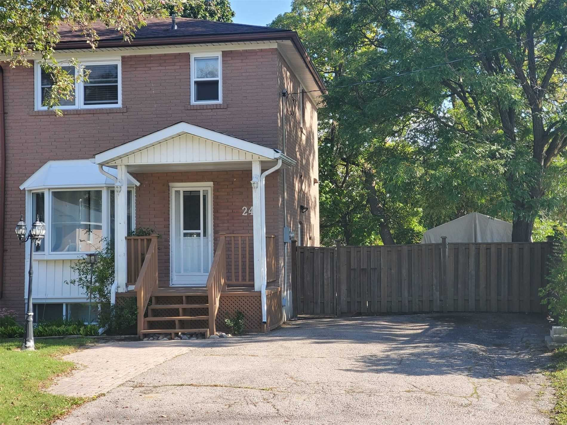 Semi-Detached For Lease In Newmarket , 3 Bedrooms Bedrooms, ,2 BathroomsBathrooms,Semi-Detached,For Lease,Septonne