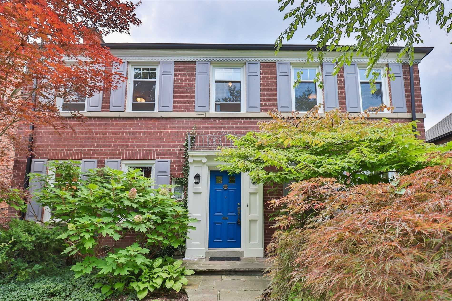 Detached house For Lease In Toronto - 49 Hillcrest Dr, Toronto, Ontario, Canada M6G2E2 , 4 Bedrooms Bedrooms, ,4 BathroomsBathrooms,Detached,For Lease,Hillcrest