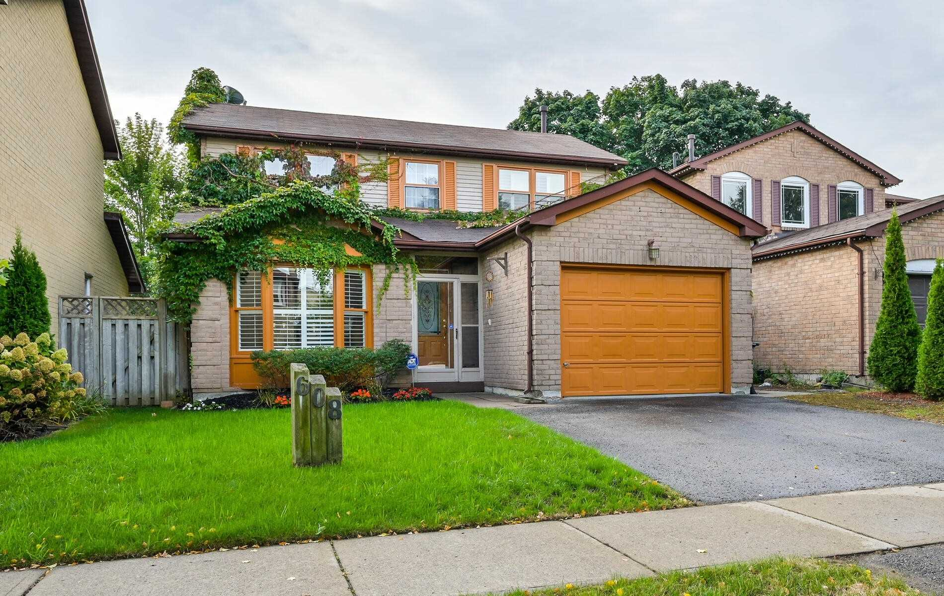 Detached house For Sale In Pickering