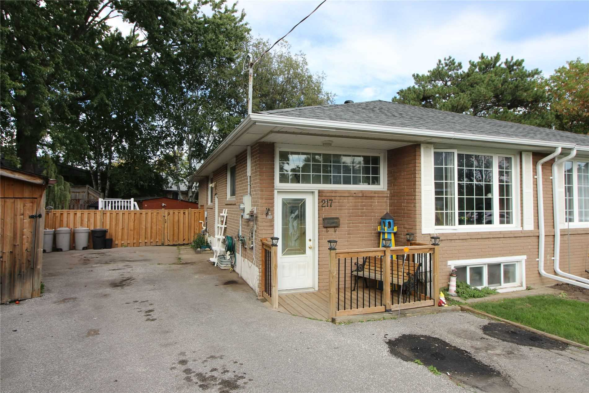 Semi-Detached For Sale In Newmarket
