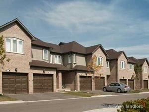 Condo Townhouse For Lease In Brampton , 3 Bedrooms Bedrooms, ,2 BathroomsBathrooms,Condo Townhouse,For Lease,8,Pleasantview