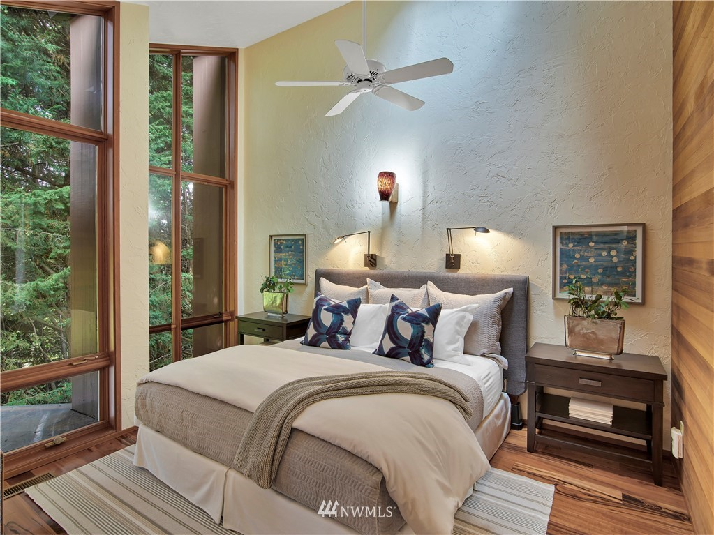 7445 71st Street, Mercer Island, Washington 98040, 7 Bedrooms Bedrooms, ,4 BathroomsBathrooms,Residential,For Sale,71st,NWM1839695
