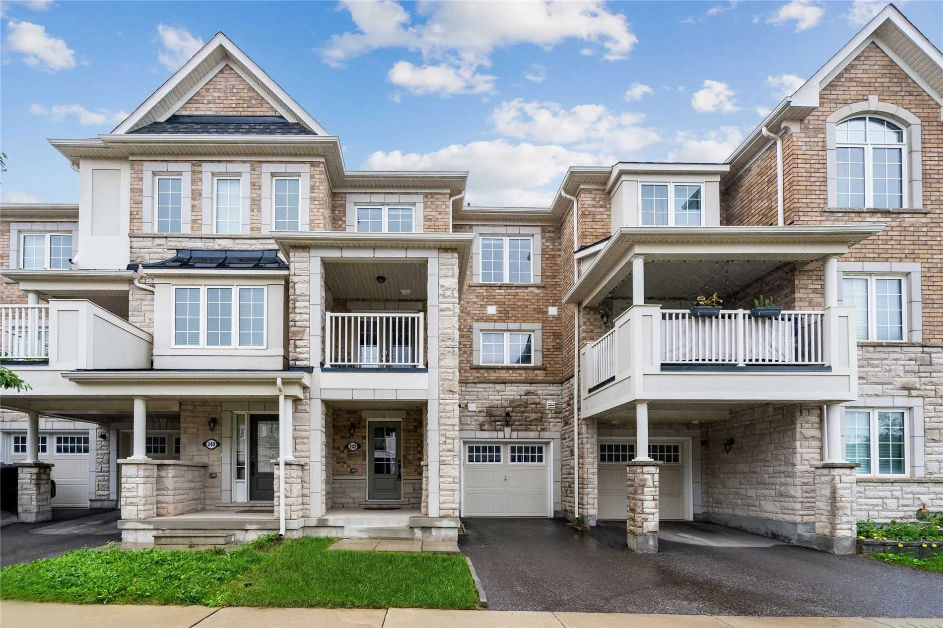 Att/row/twnhouse For Lease In Oakville , 2 Bedrooms Bedrooms, ,3 BathroomsBathrooms,Att/row/twnhouse,For Lease,Betsy
