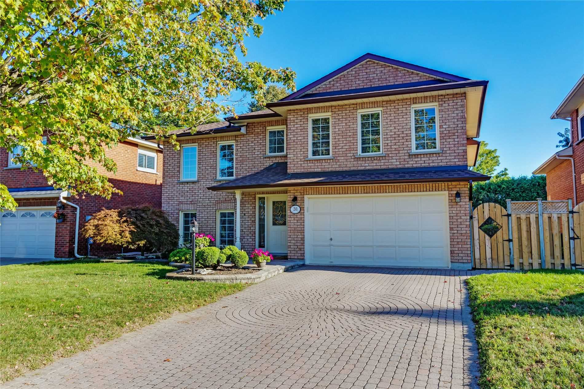 Detached house For Sale In Whitby