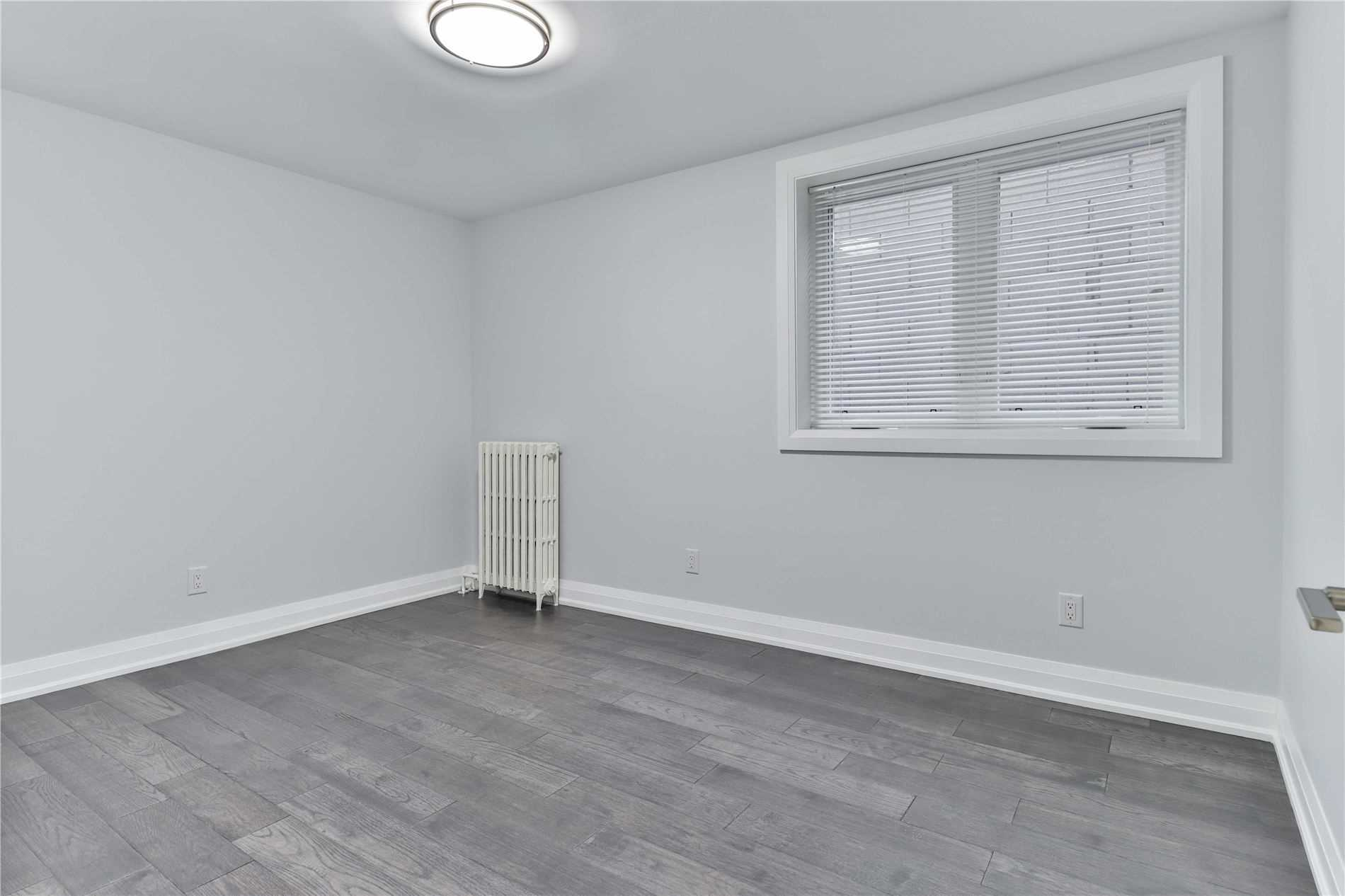 Semi-Detached For Lease In Toronto , 2 Bedrooms Bedrooms, ,1 BathroomBathrooms,Semi-Detached,For Lease,Main,College