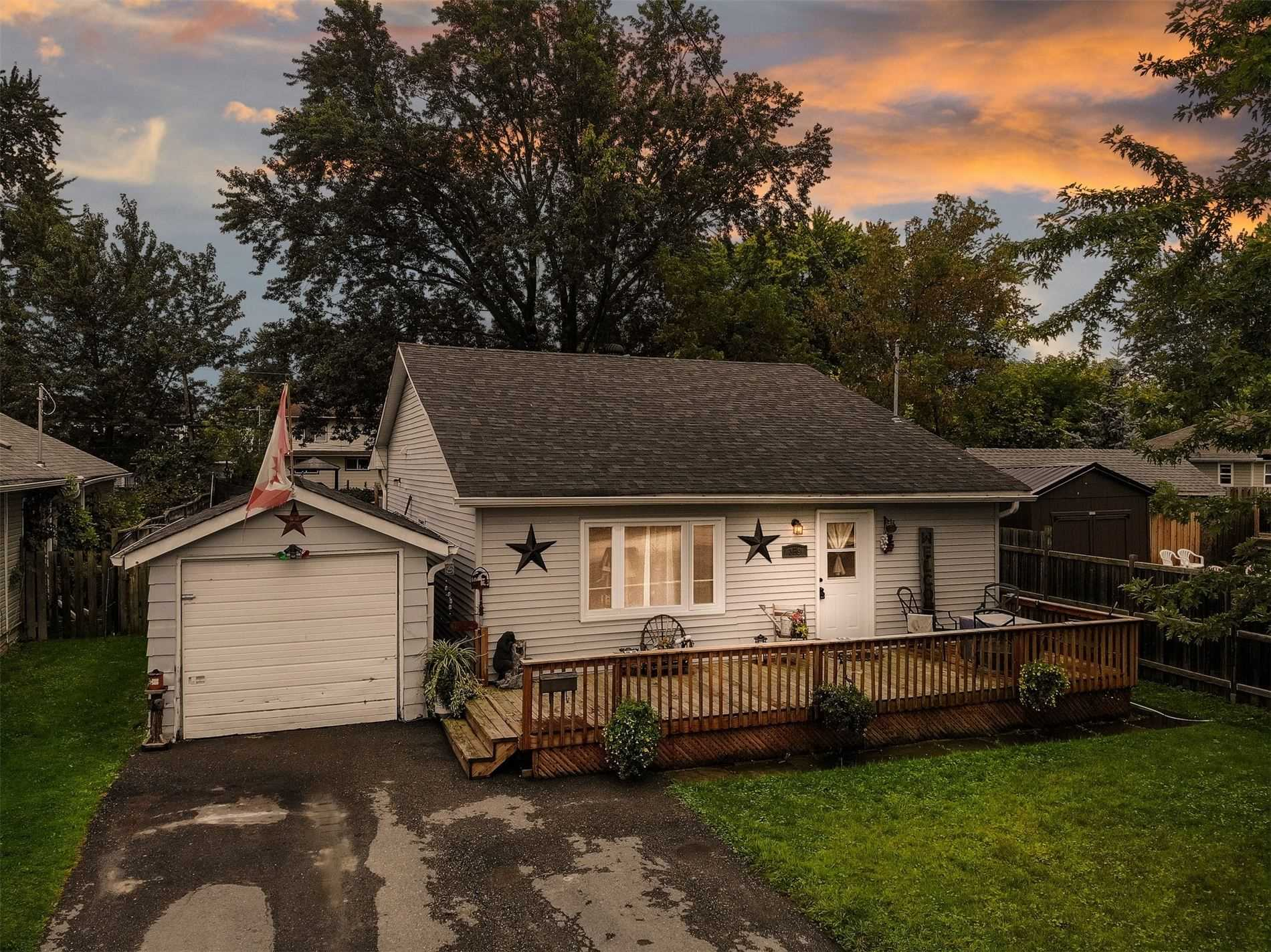 Detached house For Sale In Georgina