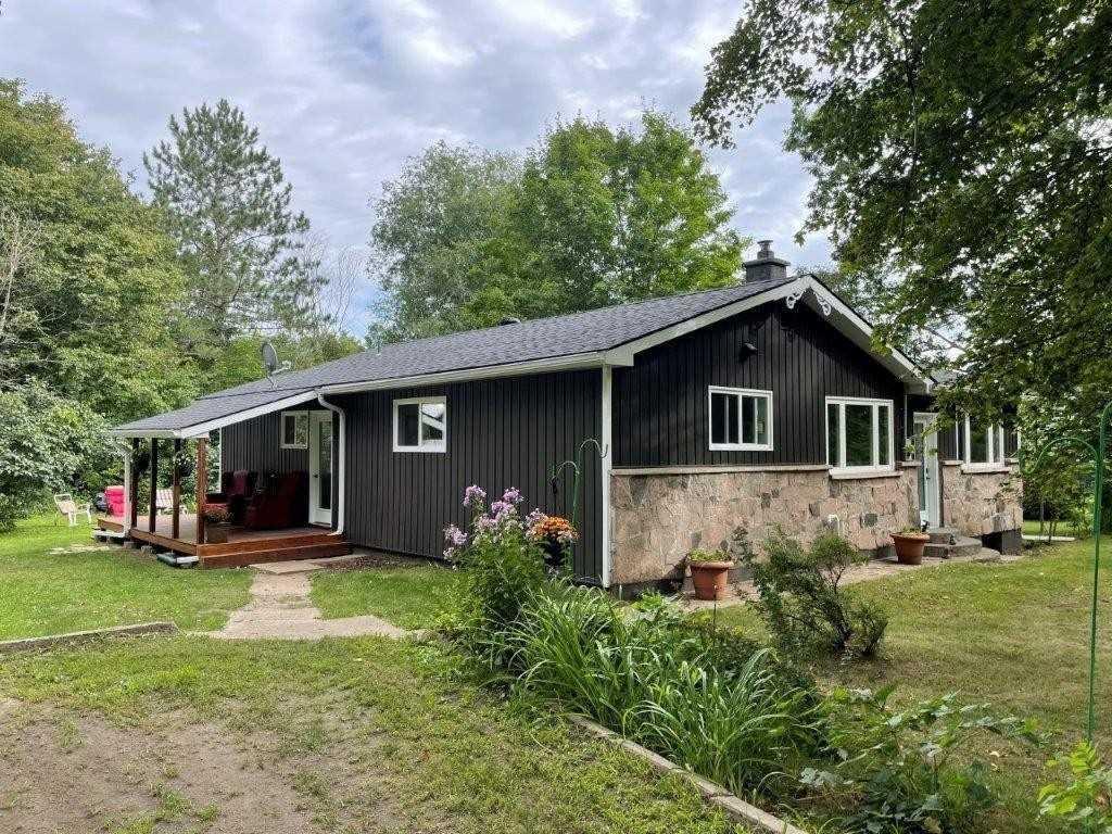 Detached house For Sale In Dysart et al