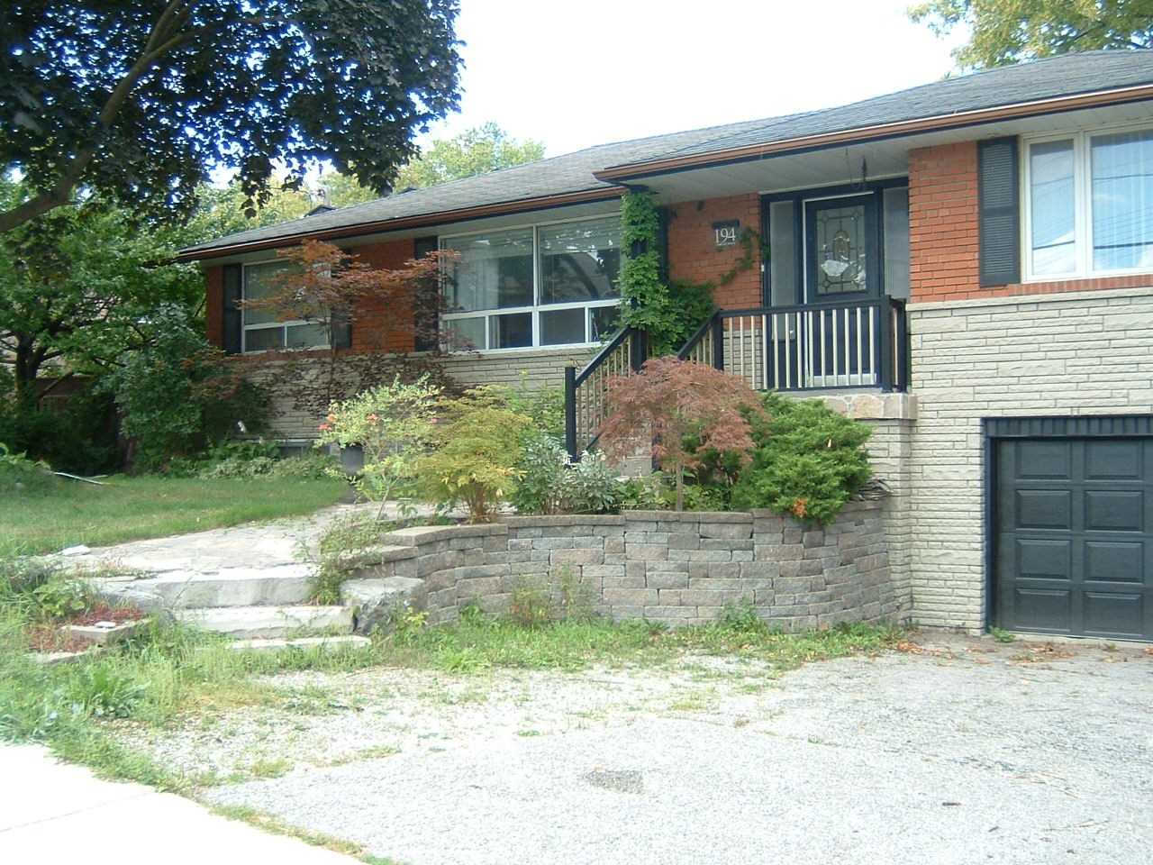 Detached house For Sale In Bradford West Gwillimbury